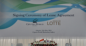 Signing Lease Agremen With Lotte Departmen Store